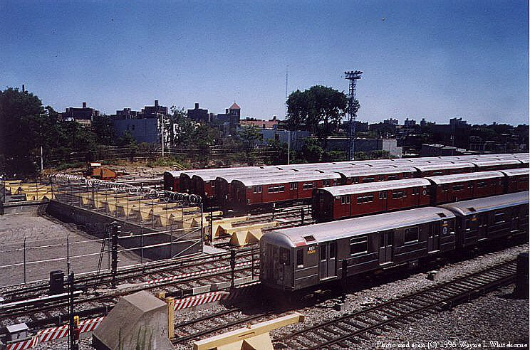 (119k, 744x492)<br><b>Country:</b> United States<br><b>City:</b> New York<br><b>System:</b> New York City Transit<br><b>Location:</b> Unionport Yard<br><b>Photo by:</b> Wayne Whitehorne<br><b>Date:</b> 8/1/1998<br><b>Viewed (this week/total):</b> 0 / 3415