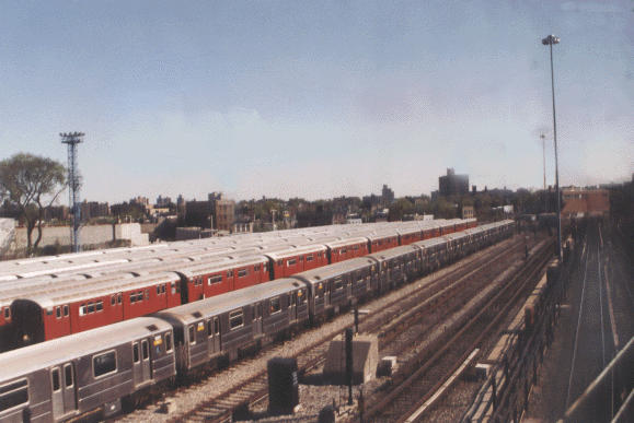 (39k, 579x387)<br><b>Country:</b> United States<br><b>City:</b> New York<br><b>System:</b> New York City Transit<br><b>Location:</b> Unionport Yard<br><b>Photo by:</b> Peter Dougherty<br><b>Date:</b> 1998<br><b>Viewed (this week/total):</b> 1 / 2796