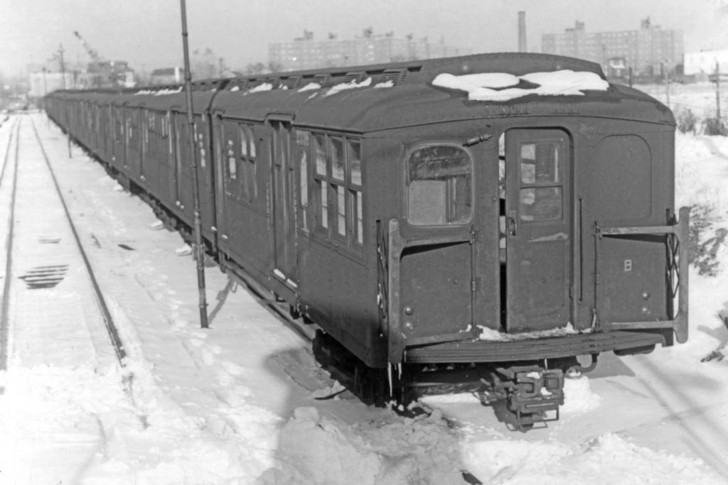 (156k, 1024x684)<br><b>Country:</b> United States<br><b>City:</b> New York<br><b>System:</b> New York City Transit<br><b>Location:</b> Rockaway Parkway (Canarsie) Yard<br><b>Car:</b> BMT A/B-Type Standard 2338 <br><b>Collection of:</b> Joe Testagrose<br><b>Viewed (this week/total):</b> 1 / 3794