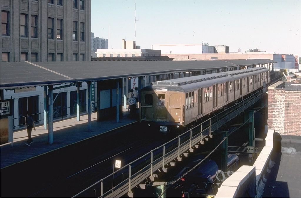 (184k, 1024x674)<br><b>Country:</b> United States<br><b>City:</b> New York<br><b>System:</b> New York City Transit<br><b>Line:</b> BMT Nassau Street/Jamaica Line<br><b>Location:</b> 168th Street (Demolished) <br><b>Route:</b> Fan Trip<br><b>Car:</b> BMT A/B-Type Standard 2390 <br><b>Photo by:</b> Joe Testagrose<br><b>Date:</b> 9/11/1977<br><b>Viewed (this week/total):</b> 0 / 8606