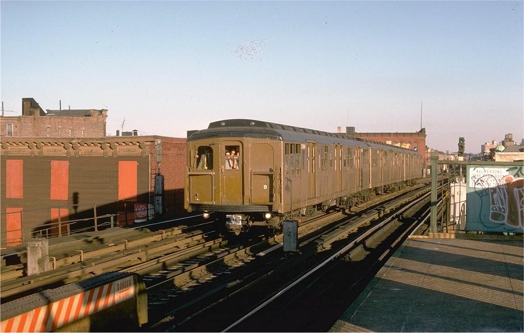 (181k, 1024x651)<br><b>Country:</b> United States<br><b>City:</b> New York<br><b>System:</b> New York City Transit<br><b>Line:</b> BMT Nassau Street/Jamaica Line<br><b>Location:</b> Kosciuszko Street <br><b>Route:</b> Fan Trip<br><b>Car:</b> BMT A/B-Type Standard 2390 <br><b>Photo by:</b> Joe Testagrose<br><b>Date:</b> 9/11/1977<br><b>Viewed (this week/total):</b> 0 / 4210