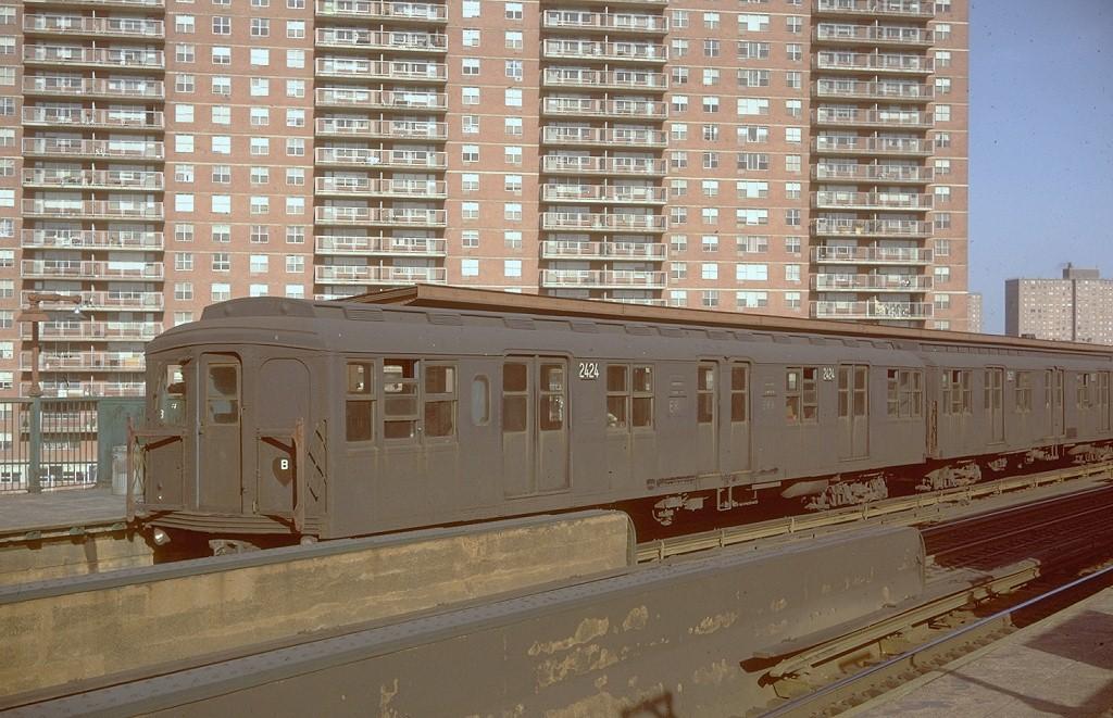 (217k, 1024x661)<br><b>Country:</b> United States<br><b>City:</b> New York<br><b>System:</b> New York City Transit<br><b>Line:</b> BMT Nassau Street/Jamaica Line<br><b>Location:</b> Lorimer Street <br><b>Route:</b> KK<br><b>Car:</b> BMT A/B-Type Standard 2424 <br><b>Photo by:</b> Doug Grotjahn<br><b>Collection of:</b> Joe Testagrose<br><b>Date:</b> 4/9/1968<br><b>Viewed (this week/total):</b> 1 / 7163