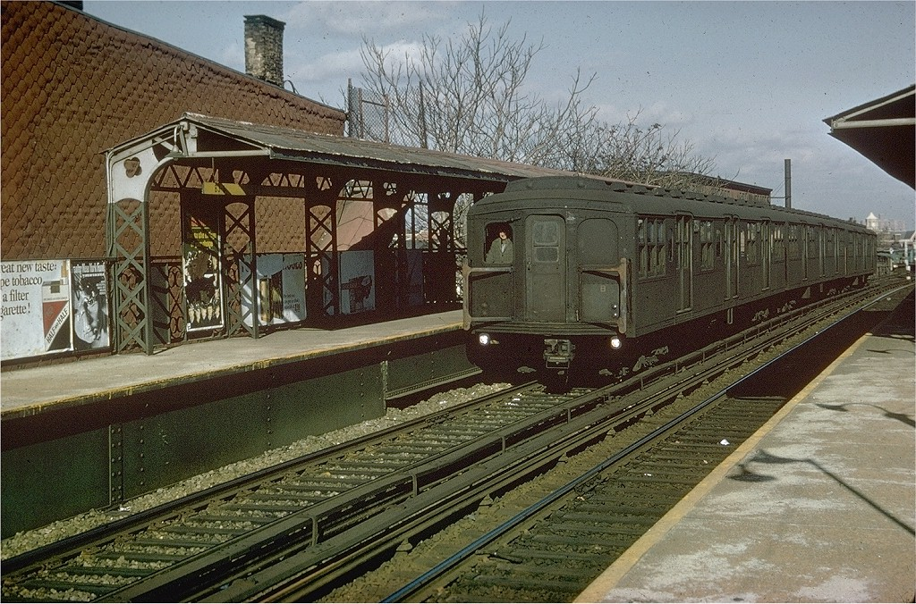 (289k, 1024x676)<br><b>Country:</b> United States<br><b>City:</b> New York<br><b>System:</b> New York City Transit<br><b>Line:</b> BMT Franklin<br><b>Location:</b> Dean Street <br><b>Route:</b> Franklin Shuttle<br><b>Car:</b> BMT A/B-Type Standard 2564 <br><b>Collection of:</b> Joe Testagrose<br><b>Viewed (this week/total):</b> 3 / 4505