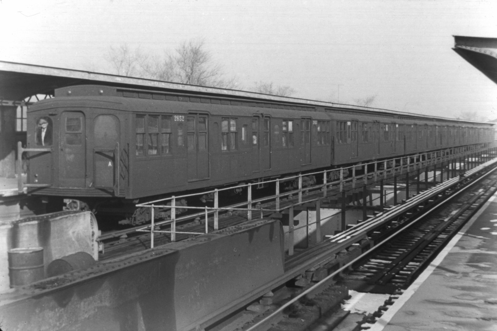 (210k, 1024x682)<br><b>Country:</b> United States<br><b>City:</b> New York<br><b>System:</b> New York City Transit<br><b>Line:</b> BMT Nassau Street/Jamaica Line<br><b>Location:</b> Cypress Hills <br><b>Route:</b> BMT 15<br><b>Car:</b> BMT A/B-Type Standard 2652 <br><b>Collection of:</b> Joe Testagrose<br><b>Viewed (this week/total):</b> 0 / 2945