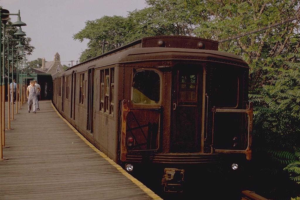 (243k, 1024x684)<br><b>Country:</b> United States<br><b>City:</b> New York<br><b>System:</b> New York City Transit<br><b>Line:</b> BMT Myrtle Avenue Line<br><b>Location:</b> Metropolitan Avenue <br><b>Route:</b> M<br><b>Car:</b> BMT A/B-Type Standard 2749 <br><b>Photo by:</b> Doug Grotjahn<br><b>Collection of:</b> Joe Testagrose<br><b>Date:</b> 7/16/1968<br><b>Viewed (this week/total):</b> 1 / 3960