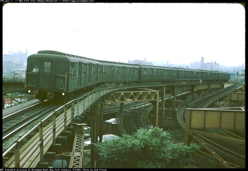 (112k, 971x670)<br><b>Country:</b> United States<br><b>City:</b> New York<br><b>System:</b> New York City Transit<br><b>Line:</b> BMT Canarsie Line<br><b>Location:</b> Broadway Junction <br><b>Car:</b> BMT A/B-Type Standard  <br><b>Photo by:</b> Bob Fried<br><b>Date:</b> 8/1964<br><b>Viewed (this week/total):</b> 1 / 3704