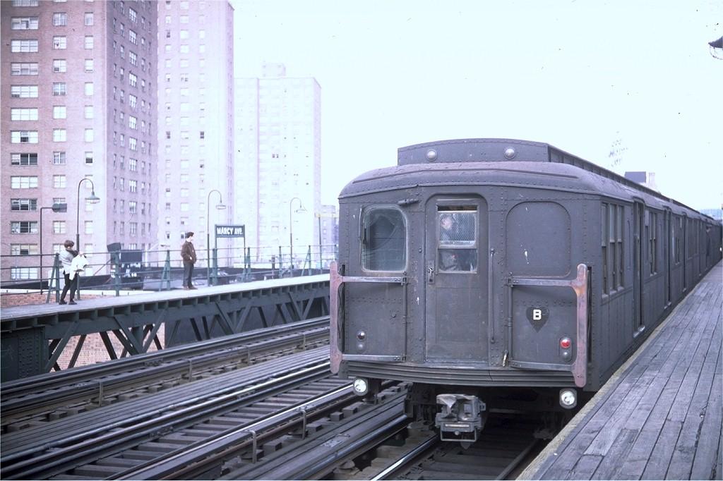 (180k, 1024x682)<br><b>Country:</b> United States<br><b>City:</b> New York<br><b>System:</b> New York City Transit<br><b>Line:</b> BMT Nassau Street/Jamaica Line<br><b>Location:</b> Marcy Avenue <br><b>Car:</b> BMT A/B-Type Standard  <br><b>Collection of:</b> Joe Testagrose<br><b>Viewed (this week/total):</b> 0 / 3066