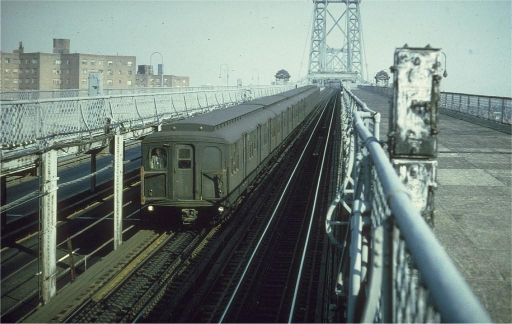 (193k, 1024x649)<br><b>Country:</b> United States<br><b>City:</b> New York<br><b>System:</b> New York City Transit<br><b>Line:</b> BMT Nassau Street/Jamaica Line<br><b>Location:</b> Williamsburg Bridge<br><b>Car:</b> BMT A/B-Type Standard  <br><b>Collection of:</b> Joe Testagrose<br><b>Date:</b> 4/1968<br><b>Viewed (this week/total):</b> 0 / 3834