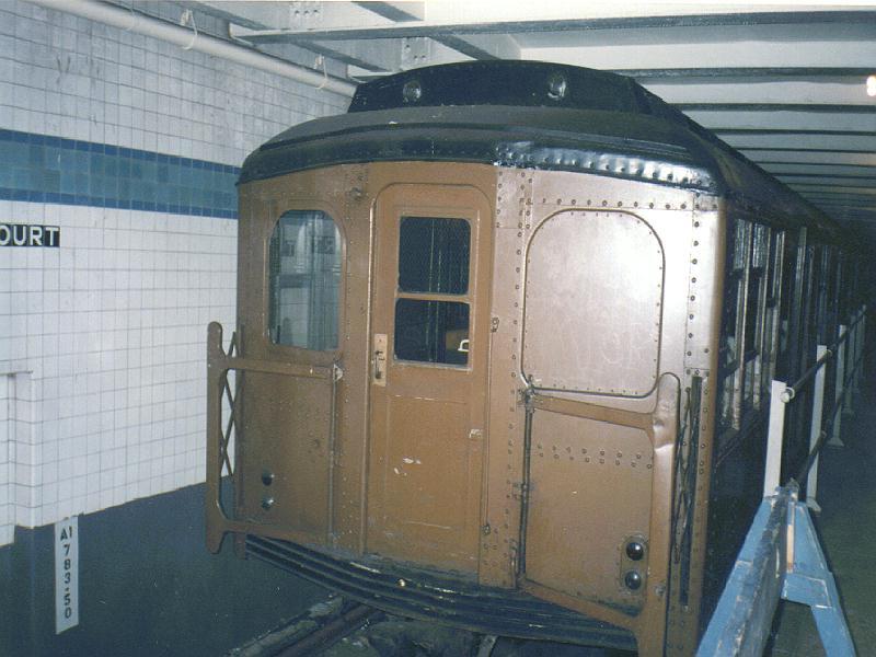 (78k, 800x600)<br><b>Country:</b> United States<br><b>City:</b> New York<br><b>System:</b> New York City Transit<br><b>Location:</b> New York Transit Museum<br><b>Car:</b> BMT A/B-Type Standard 2204 <br><b>Photo by:</b> Constantine Steffan<br><b>Date:</b> 3/1995<br><b>Viewed (this week/total):</b> 2 / 6474
