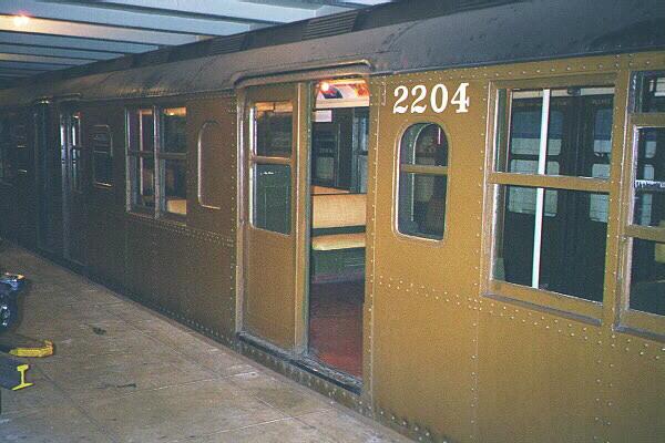 (110k, 600x400)<br><b>Country:</b> United States<br><b>City:</b> New York<br><b>System:</b> New York City Transit<br><b>Location:</b> New York Transit Museum<br><b>Car:</b> BMT A/B-Type Standard 2204 <br><b>Photo by:</b> Sidney Keyles<br><b>Date:</b> 5/23/1999<br><b>Viewed (this week/total):</b> 2 / 6685
