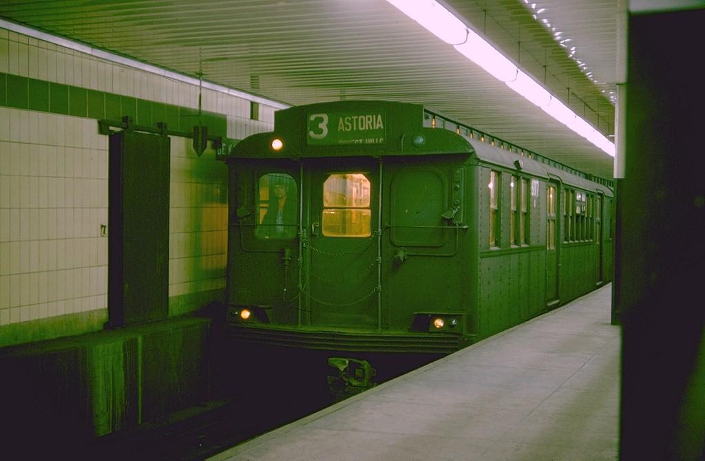 (148k, 1024x670)<br><b>Country:</b> United States<br><b>City:</b> New York<br><b>System:</b> New York City Transit<br><b>Location:</b> DeKalb Avenue<br><b>Route:</b> T<br><b>Car:</b> BMT D-Type Triplex 6017 <br><b>Photo by:</b> Doug Grotjahn<br><b>Collection of:</b> Joe Testagrose<br><b>Date:</b> 12/31/1964<br><b>Viewed (this week/total):</b> 0 / 4414