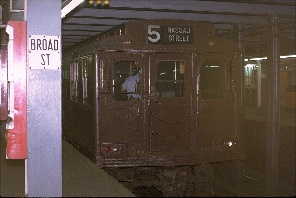 (174k, 1024x687)<br><b>Country:</b> United States<br><b>City:</b> New York<br><b>System:</b> New York City Transit<br><b>Line:</b> BMT Nassau Street/Jamaica Line<br><b>Location:</b> Broad Street <br><b>Route:</b> Fan Trip<br><b>Car:</b> BMT D-Type Triplex 6019 <br><b>Photo by:</b> Joe Testagrose<br><b>Date:</b> 9/20/1970<br><b>Viewed (this week/total):</b> 2 / 7537