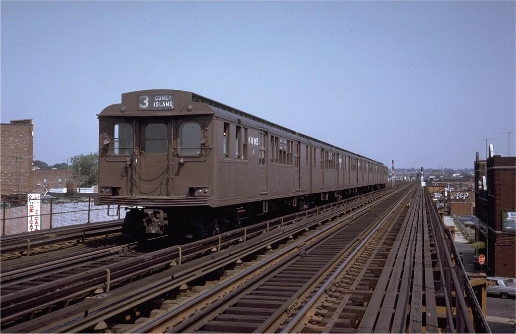 (187k, 1024x662)<br><b>Country:</b> United States<br><b>City:</b> New York<br><b>System:</b> New York City Transit<br><b>Line:</b> BMT West End Line<br><b>Location:</b> 71st Street <br><b>Route:</b> Fan Trip<br><b>Car:</b> BMT D-Type Triplex 6095 <br><b>Photo by:</b> Joe Testagrose<br><b>Date:</b> 9/30/1972<br><b>Viewed (this week/total):</b> 0 / 3713