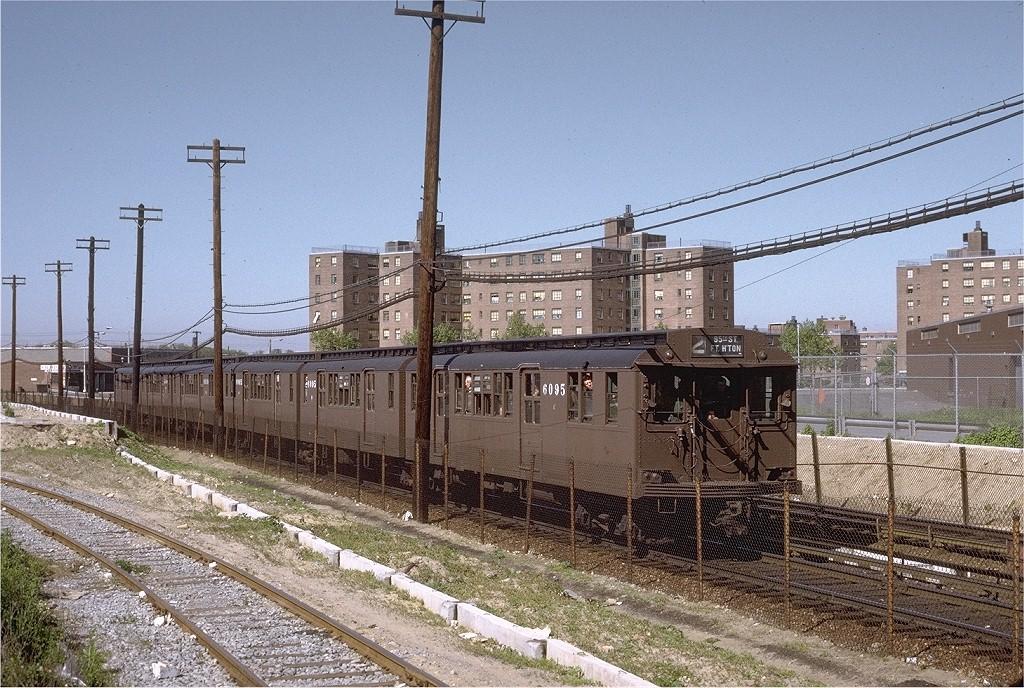 (270k, 1024x688)<br><b>Country:</b> United States<br><b>City:</b> New York<br><b>System:</b> New York City Transit<br><b>Line:</b> BMT Canarsie Line<br><b>Location:</b> East 105th Street <br><b>Route:</b> Fan Trip<br><b>Car:</b> BMT D-Type Triplex 6095 <br><b>Photo by:</b> Joe Testagrose<br><b>Date:</b> 5/27/1972<br><b>Viewed (this week/total):</b> 0 / 4196