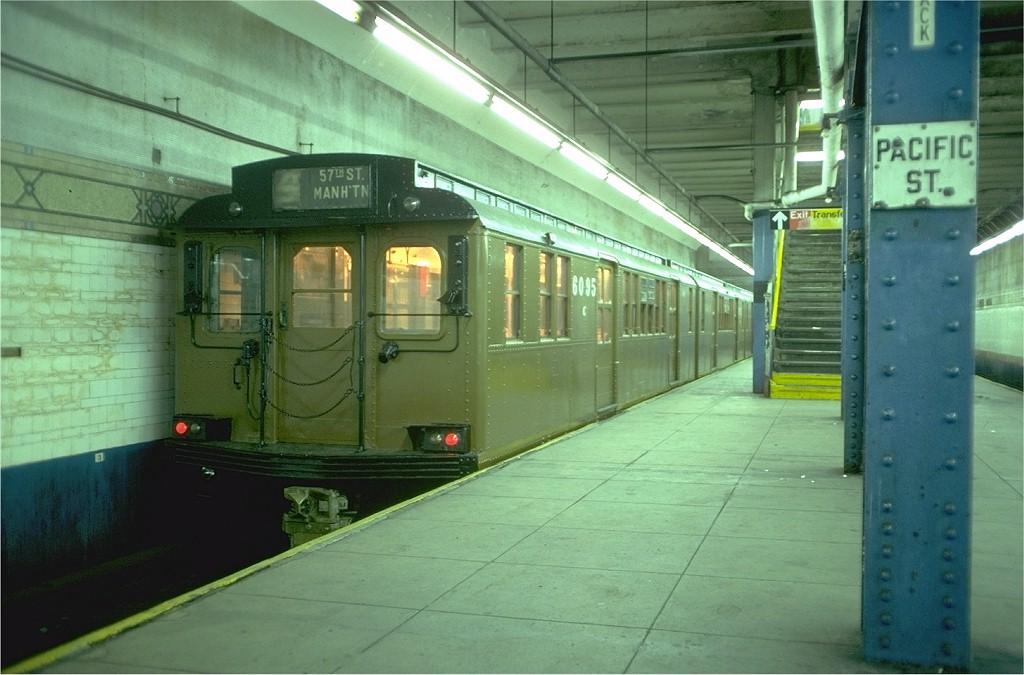 (174k, 1024x675)<br><b>Country:</b> United States<br><b>City:</b> New York<br><b>System:</b> New York City Transit<br><b>Line:</b> BMT 4th Avenue<br><b>Location:</b> Pacific Street <br><b>Route:</b> Fan Trip<br><b>Car:</b> BMT D-Type Triplex 6095 <br><b>Photo by:</b> Doug Grotjahn<br><b>Collection of:</b> Joe Testagrose<br><b>Date:</b> 11/11/1978<br><b>Viewed (this week/total):</b> 0 / 6386