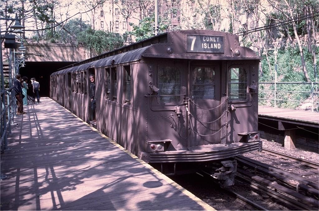 (285k, 1024x677)<br><b>Country:</b> United States<br><b>City:</b> New York<br><b>System:</b> New York City Transit<br><b>Line:</b> BMT Franklin<br><b>Location:</b> Botanic Garden <br><b>Route:</b> Franklin Shuttle<br><b>Car:</b> BMT D-Type Triplex 6095 <br><b>Collection of:</b> Joe Testagrose<br><b>Date:</b> 5/18/1975<br><b>Viewed (this week/total):</b> 4 / 9894