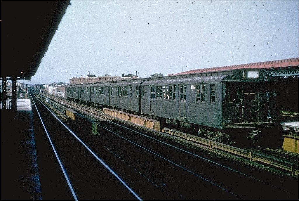 (185k, 1024x688)<br><b>Country:</b> United States<br><b>City:</b> New York<br><b>System:</b> New York City Transit<br><b>Line:</b> BMT Astoria Line<br><b>Location:</b> 36th/Washington Aves. <br><b>Route:</b> T<br><b>Car:</b> BMT D-Type Triplex 6116 <br><b>Collection of:</b> Joe Testagrose<br><b>Date:</b> 9/1964<br><b>Viewed (this week/total):</b> 0 / 3387