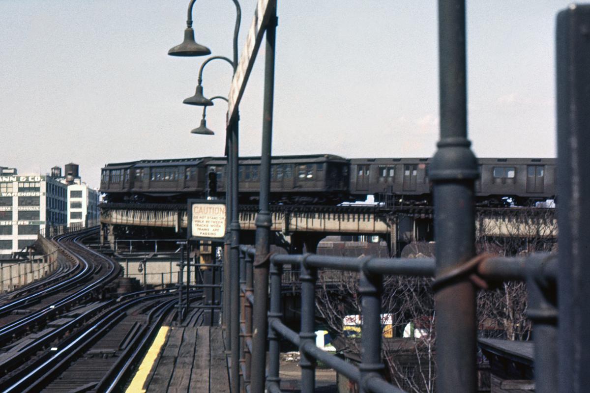 (388k, 1044x725)<br><b>Country:</b> United States<br><b>City:</b> New York<br><b>System:</b> New York City Transit<br><b>Line:</b> BMT Canarsie Line<br><b>Location:</b> Sutter Avenue <br><b>Car:</b> BMT C  <br><b>Collection of:</b> David Pirmann<br><b>Notes:</b> Fulton El at Atlantic Avenue<br><b>Viewed (this week/total):</b> 5 / 8109