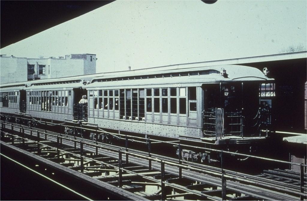 (193k, 1024x671)<br><b>Country:</b> United States<br><b>City:</b> New York<br><b>System:</b> New York City Transit<br><b>Line:</b> BMT Myrtle Avenue Line<br><b>Location:</b> Knickerbocker Avenue <br><b>Car:</b> BMT Elevated Gate Car 1310 <br><b>Collection of:</b> Joe Testagrose<br><b>Viewed (this week/total):</b> 0 / 3786