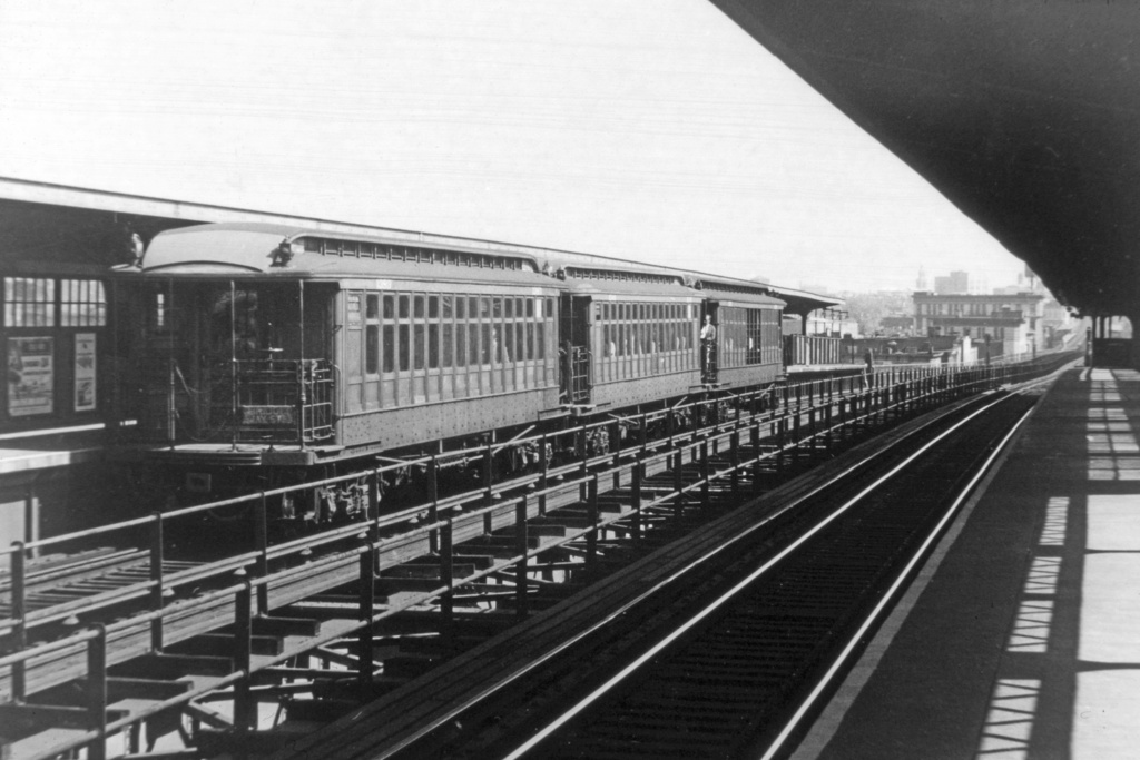 (275k, 1044x706)<br><b>Country:</b> United States<br><b>City:</b> New York<br><b>System:</b> New York City Transit<br><b>Line:</b> BMT Myrtle Avenue Line<br><b>Location:</b> Central Avenue <br><b>Car:</b> BMT Elevated Gate Car  <br><b>Collection of:</b> David Pirmann<br><b>Viewed (this week/total):</b> 0 / 2870