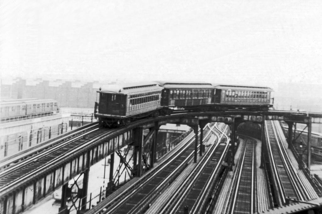 (209k, 1024x683)<br><b>Country:</b> United States<br><b>City:</b> New York<br><b>System:</b> New York City Transit<br><b>Line:</b> BMT Nassau Street/Jamaica Line<br><b>Location:</b> Broadway/East New York (Broadway Junction) <br><b>Car:</b> BMT Elevated Gate Car  <br><b>Collection of:</b> David Pirmann<br><b>Viewed (this week/total):</b> 3 / 5647