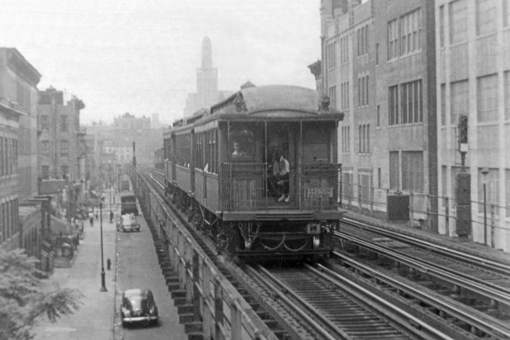 (209k, 1024x683)<br><b>Country:</b> United States<br><b>City:</b> New York<br><b>System:</b> New York City Transit<br><b>Line:</b> BMT Lexington Ave. El<br><b>Location:</b> Franklin Avenue <br><b>Car:</b> BMT Elevated Gate Car  <br><b>Collection of:</b> David Pirmann<br><b>Viewed (this week/total):</b> 1 / 5422