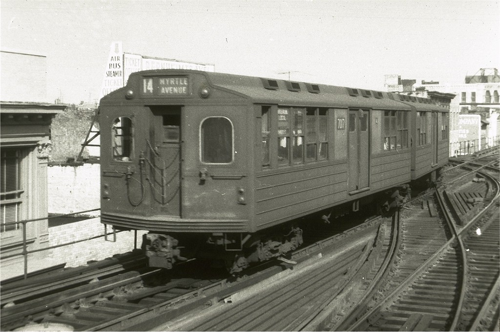 (188k, 1024x679)<br><b>Country:</b> United States<br><b>City:</b> New York<br><b>System:</b> New York City Transit<br><b>Line:</b> BMT Nassau Street/Jamaica Line<br><b>Location:</b> Myrtle Avenue <br><b>Car:</b> BMT Multi 7017 <br><b>Collection of:</b> Joe Testagrose<br><b>Viewed (this week/total):</b> 0 / 3877