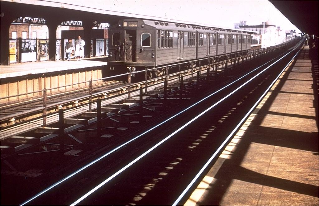 (214k, 1024x662)<br><b>Country:</b> United States<br><b>City:</b> New York<br><b>System:</b> New York City Transit<br><b>Line:</b> BMT Myrtle Avenue Line<br><b>Location:</b> Knickerbocker Avenue <br><b>Car:</b> BMT Multi 7020 <br><b>Collection of:</b> Joe Testagrose<br><b>Viewed (this week/total):</b> 3 / 3833