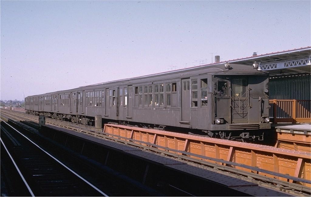 (163k, 1024x649)<br><b>Country:</b> United States<br><b>City:</b> New York<br><b>System:</b> New York City Transit<br><b>Line:</b> BMT Culver Line<br><b>Location:</b> Avenue P <br><b>Route:</b> Fan Trip<br><b>Car:</b> BMT Q 1616 <br><b>Photo by:</b> Joe Testagrose<br><b>Date:</b> 10/4/1969<br><b>Viewed (this week/total):</b> 1 / 3338