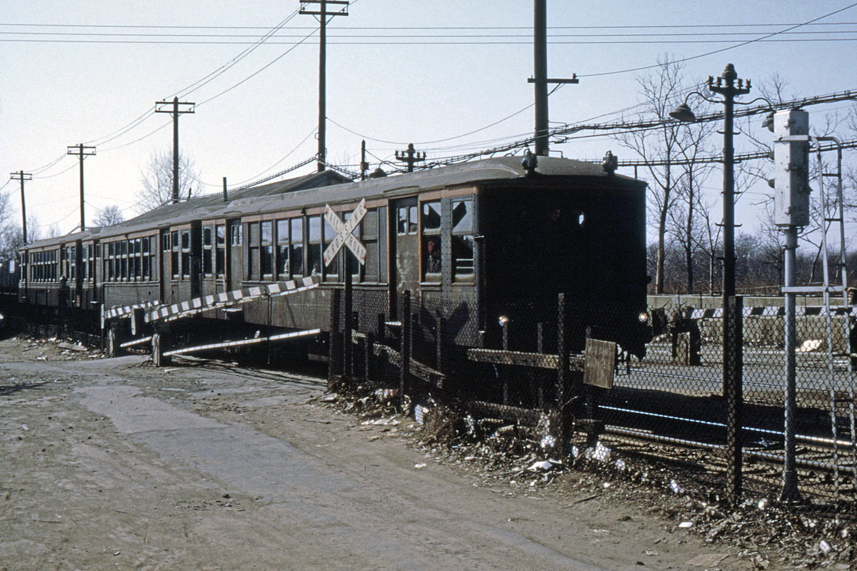 (495k, 1024x683)<br><b>Country:</b> United States<br><b>City:</b> New York<br><b>System:</b> New York City Transit<br><b>Line:</b> BMT Canarsie Line<br><b>Location:</b> East 105th Street (Grade Crossing) <br><b>Route:</b> Fan Trip<br><b>Car:</b> BMT Q 1622 <br><b>Photo by:</b> Joe Testagrose<br><b>Collection of:</b> David Pirmann<br><b>Date:</b> 2/22/1968<br><b>Viewed (this week/total):</b> 4 / 5548