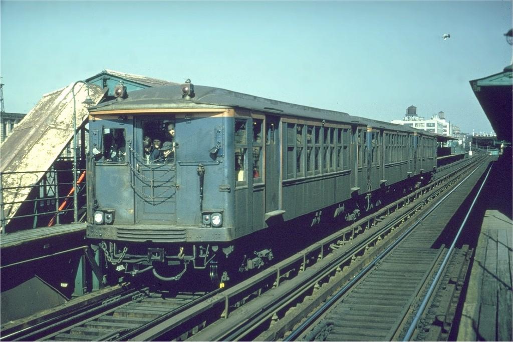 (224k, 1024x683)<br><b>Country:</b> United States<br><b>City:</b> New York<br><b>System:</b> New York City Transit<br><b>Line:</b> BMT Canarsie Line<br><b>Location:</b> Sutter Avenue <br><b>Route:</b> Fan Trip<br><b>Car:</b> BMT Q 1622 <br><b>Photo by:</b> Gerald H. Landau<br><b>Collection of:</b> Joe Testagrose<br><b>Date:</b> 2/22/1968<br><b>Viewed (this week/total):</b> 1 / 3170