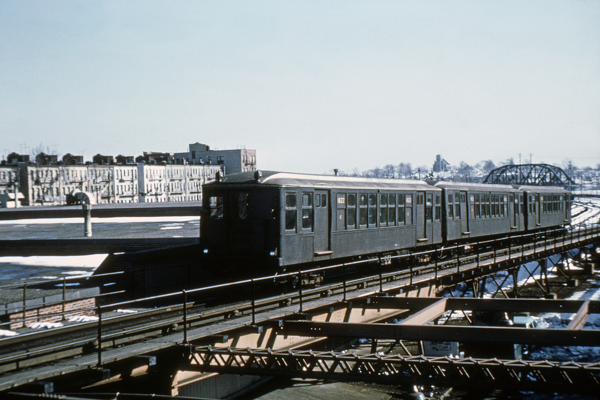 (359k, 1024x683)<br><b>Country:</b> United States<br><b>City:</b> New York<br><b>System:</b> New York City Transit<br><b>Line:</b> BMT Myrtle Avenue Line<br><b>Location:</b> Fresh Pond Road <br><b>Car:</b> BMT Q 1622 <br><b>Collection of:</b> David Pirmann<br><b>Viewed (this week/total):</b> 0 / 3169