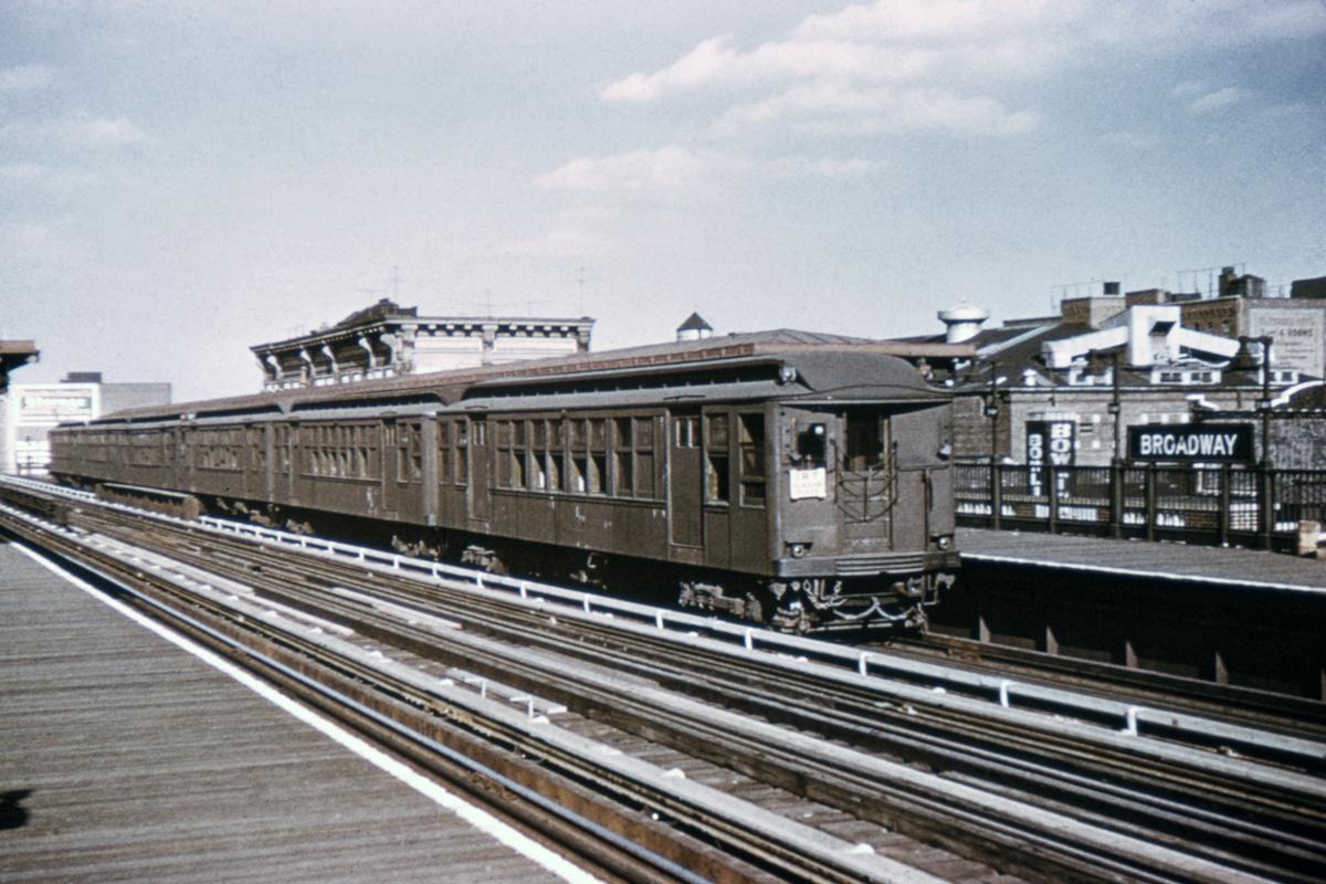 (436k, 1044x710)<br><b>Country:</b> United States<br><b>City:</b> New York<br><b>System:</b> New York City Transit<br><b>Line:</b> BMT Astoria Line<br><b>Location:</b> Broadway <br><b>Car:</b> BMT Q 1623 <br><b>Collection of:</b> David Pirmann<br><b>Viewed (this week/total):</b> 0 / 4035