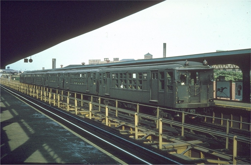 (192k, 1024x674)<br><b>Country:</b> United States<br><b>City:</b> New York<br><b>System:</b> New York City Transit<br><b>Line:</b> BMT Myrtle Avenue Line<br><b>Location:</b> Knickerbocker Avenue <br><b>Car:</b> BMT Q 1624 <br><b>Photo by:</b> Joe Testagrose<br><b>Date:</b> 7/1962<br><b>Viewed (this week/total):</b> 1 / 3928
