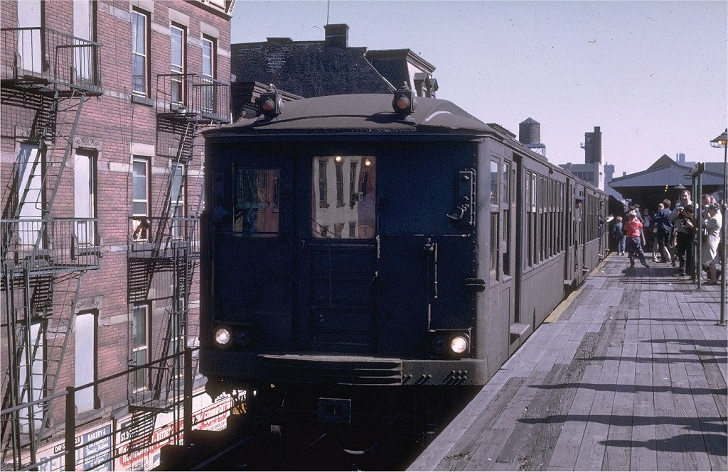 (219k, 1024x665)<br><b>Country:</b> United States<br><b>City:</b> New York<br><b>System:</b> New York City Transit<br><b>Line:</b> BMT Myrtle Avenue Line<br><b>Location:</b> Franklin Avenue<br><b>Route:</b> Fan Trip<br><b>Car:</b> BMT Q 1629 <br><b>Photo by:</b> Joe Testagrose<br><b>Date:</b> 10/4/1969<br><b>Viewed (this week/total):</b> 6 / 7265