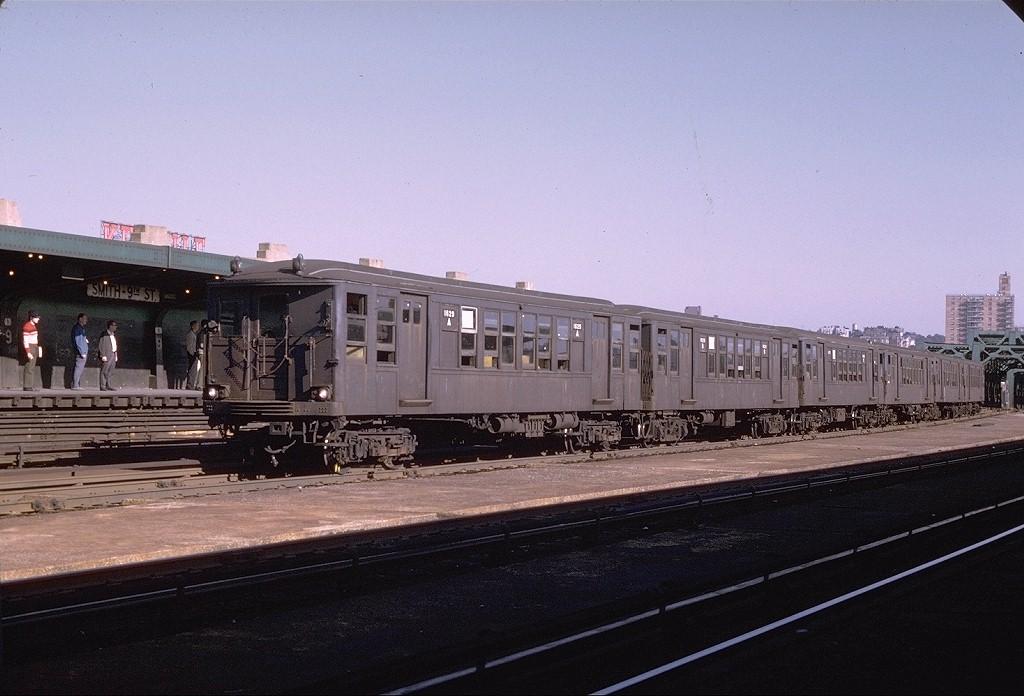(179k, 1024x696)<br><b>Country:</b> United States<br><b>City:</b> New York<br><b>System:</b> New York City Transit<br><b>Line:</b> IND Crosstown Line<br><b>Location:</b> Smith/9th Street <br><b>Route:</b> Fan Trip<br><b>Car:</b> BMT Q 1629 <br><b>Photo by:</b> Joe Testagrose<br><b>Date:</b> 10/4/1969<br><b>Viewed (this week/total):</b> 1 / 3434