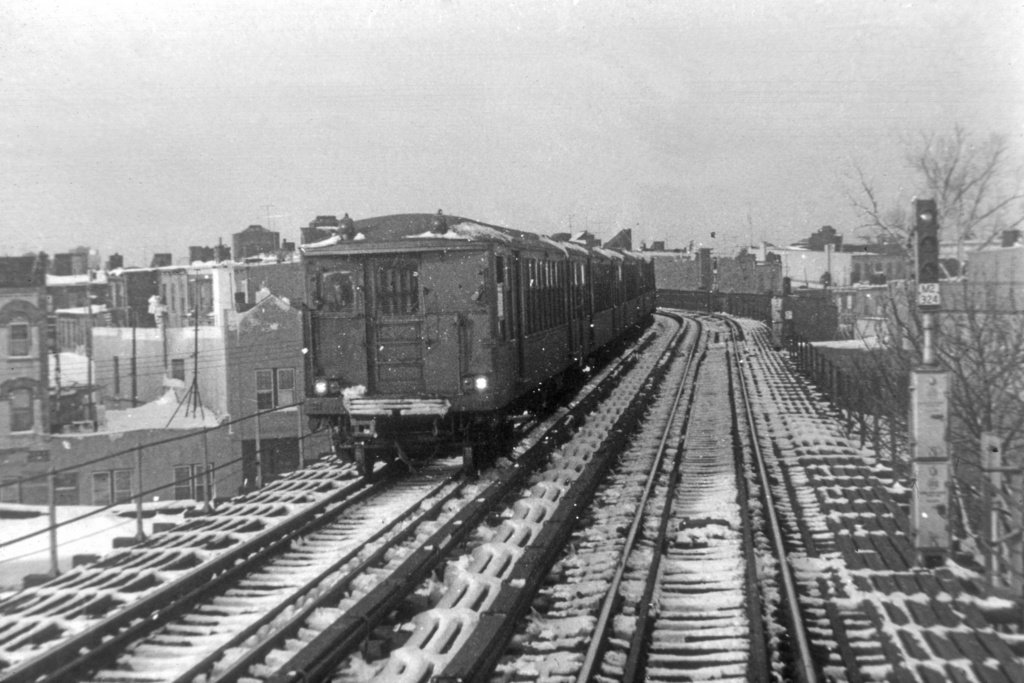 (282k, 1044x706)<br><b>Country:</b> United States<br><b>City:</b> New York<br><b>System:</b> New York City Transit<br><b>Line:</b> BMT Myrtle Avenue Line<br><b>Location:</b> Forest Avenue <br><b>Car:</b> BMT Q  <br><b>Collection of:</b> Joe Testagrose<br><b>Notes:</b> Myrtle El-Forest Ave station- train heading north from Seneca<br><b>Viewed (this week/total):</b> 2 / 4694