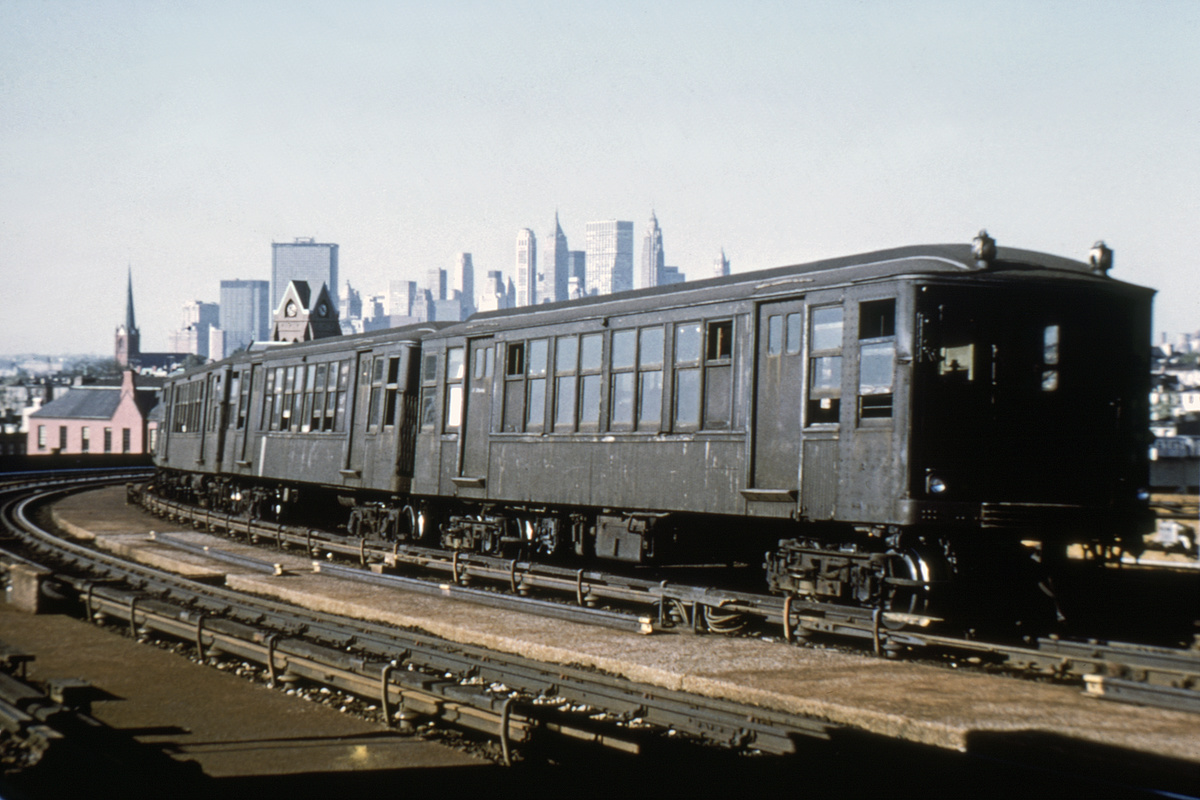 (324k, 1024x683)<br><b>Country:</b> United States<br><b>City:</b> New York<br><b>System:</b> New York City Transit<br><b>Line:</b> IND Crosstown Line<br><b>Location:</b> Smith/9th Street <br><b>Route:</b> Fan Trip<br><b>Car:</b> BMT Q  <br><b>Collection of:</b> David Pirmann<br><b>Viewed (this week/total):</b> 0 / 3781