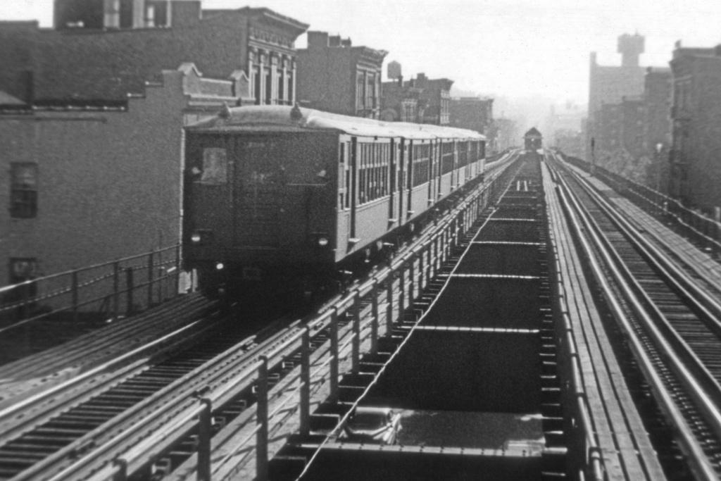 (234k, 1044x703)<br><b>Country:</b> United States<br><b>City:</b> New York<br><b>System:</b> New York City Transit<br><b>Line:</b> BMT Myrtle Avenue Line<br><b>Location:</b> Broadway/Myrtle Avenue (Upper Level) <br><b>Route:</b> MJ<br><b>Car:</b> BMT Q  <br><b>Collection of:</b> David Pirmann<br><b>Viewed (this week/total):</b> 2 / 6980