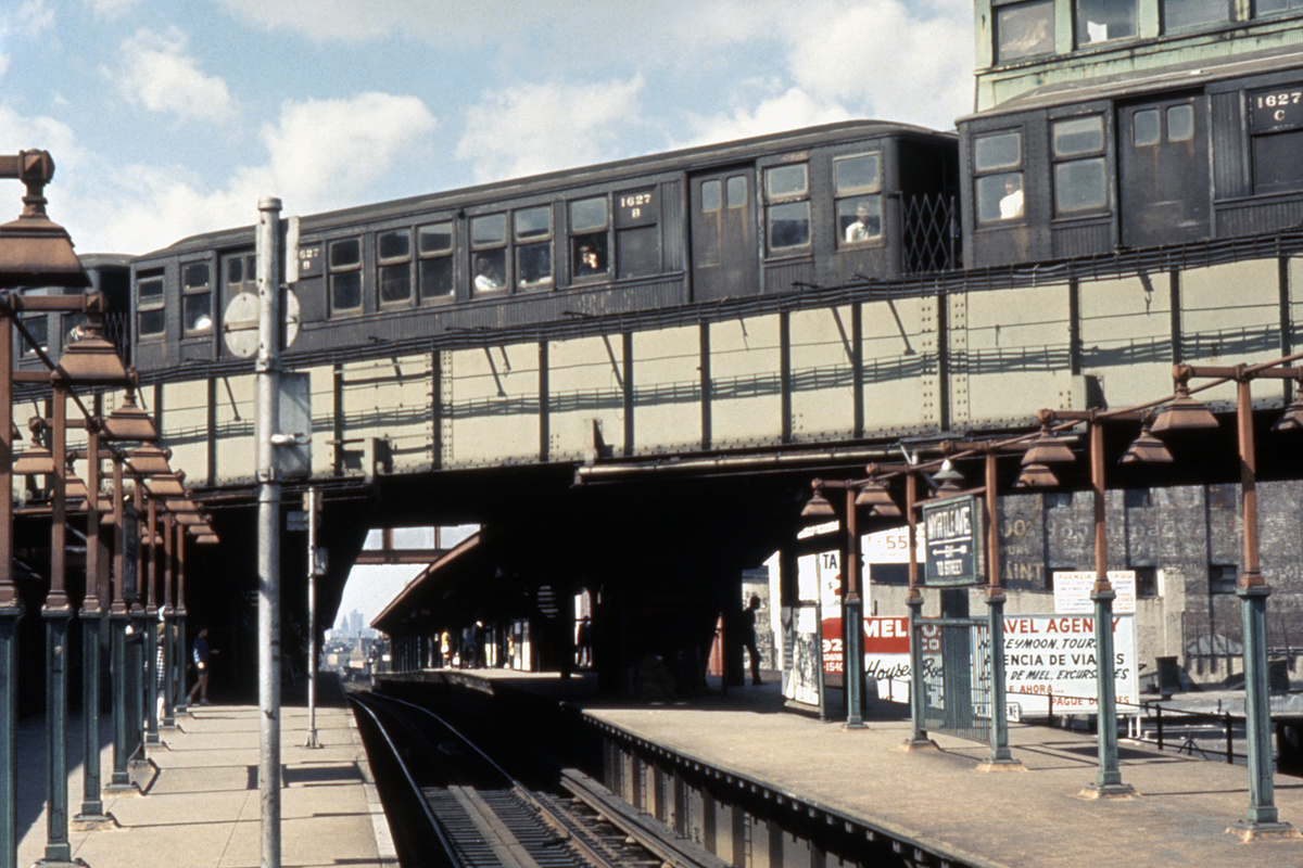 (403k, 1024x683)<br><b>Country:</b> United States<br><b>City:</b> New York<br><b>System:</b> New York City Transit<br><b>Line:</b> BMT Myrtle Avenue Line<br><b>Location:</b> Broadway/Myrtle Avenue (Upper Level) <br><b>Car:</b> BMT Q 1627 <br><b>Collection of:</b> David Pirmann<br><b>Notes:</b> Train at Broadway/Myrtle Upper Level prior to abandonment<br><b>Viewed (this week/total):</b> 1 / 13667