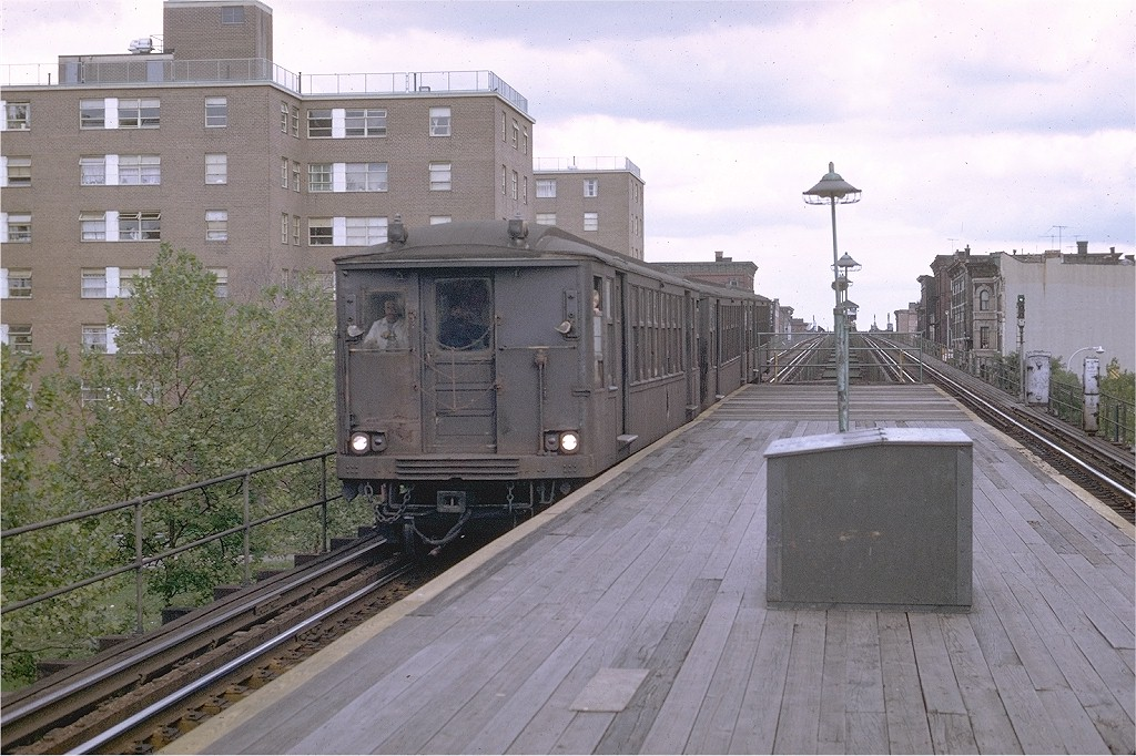 (221k, 1024x682)<br><b>Country:</b> United States<br><b>City:</b> New York<br><b>System:</b> New York City Transit<br><b>Line:</b> BMT Myrtle Avenue Line<br><b>Location:</b> Sumner Avenue <br><b>Route:</b> Myrtle Ave El<br><b>Car:</b> BMT Q  <br><b>Photo by:</b> Joe Testagrose<br><b>Date:</b> 9/20/1969<br><b>Viewed (this week/total):</b> 0 / 7013