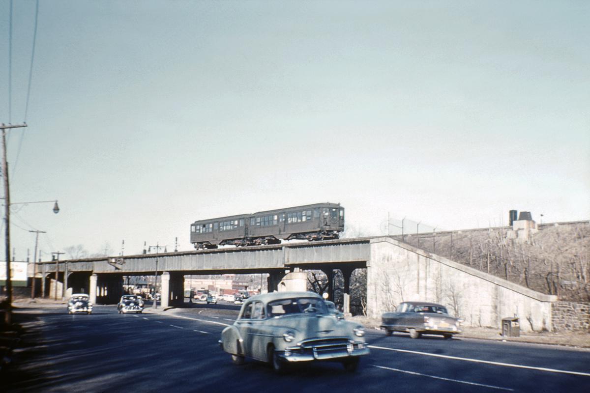 (157k, 1024x680)<br><b>Country:</b> United States<br><b>City:</b> New York<br><b>System:</b> New York City Transit<br><b>Line:</b> IRT Dyre Ave. Line<br><b>Location:</b> Boston Post Rd. Bridge <br><b>Route:</b> Dyre Avenue Line<br><b>Car:</b> Hi-V  <br><b>Collection of:</b> David Pirmann<br><b>Notes:</b> Crossing the Boston Post Road (US 1) just north of Baychester Ave. station.<br><b>Viewed (this week/total):</b> 1 / 5959