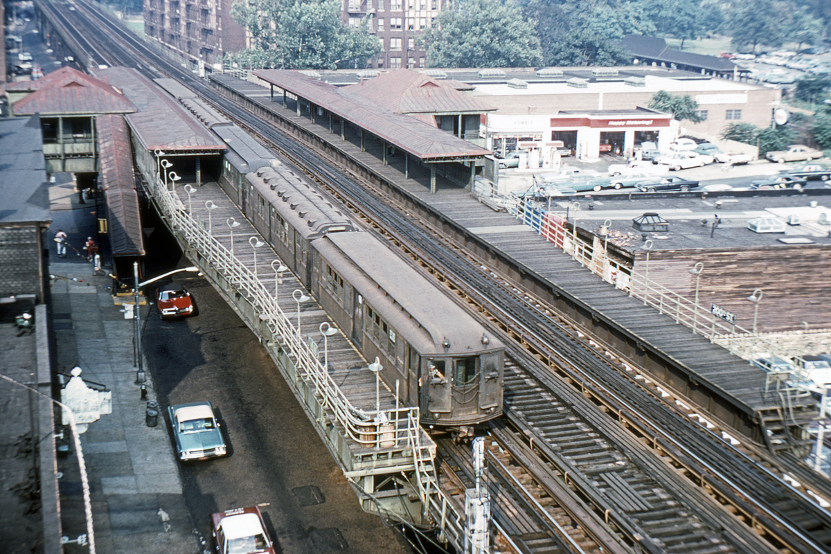(495k, 1044x706)<br><b>Country:</b> United States<br><b>City:</b> New York<br><b>System:</b> New York City Transit<br><b>Line:</b> 3rd Avenue El<br><b>Location:</b> 200th Street <br><b>Route:</b> 8<br><b>Car:</b> Low-V 544x <br><b>Collection of:</b> David Pirmann<br><b>Viewed (this week/total):</b> 1 / 5759