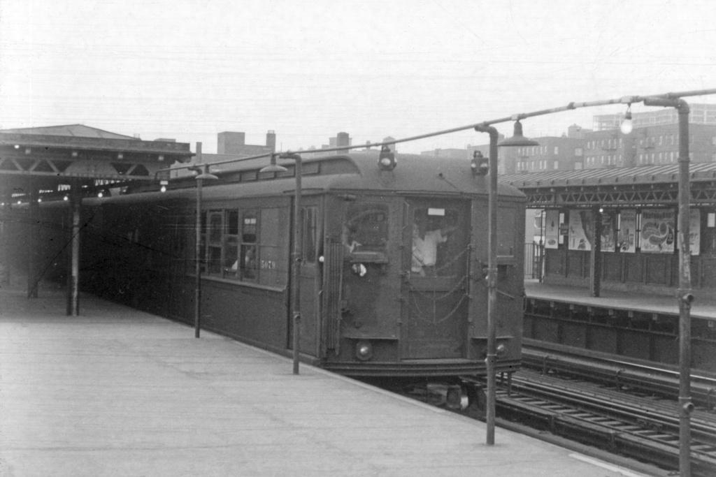 (195k, 1024x683)<br><b>Country:</b> United States<br><b>City:</b> New York<br><b>System:</b> New York City Transit<br><b>Line:</b> IRT Woodlawn Line<br><b>Location:</b> 161st Street/River Avenue (Yankee Stadium) <br><b>Car:</b> Low-V 5079 <br><b>Collection of:</b> David Pirmann<br><b>Viewed (this week/total):</b> 0 / 3515