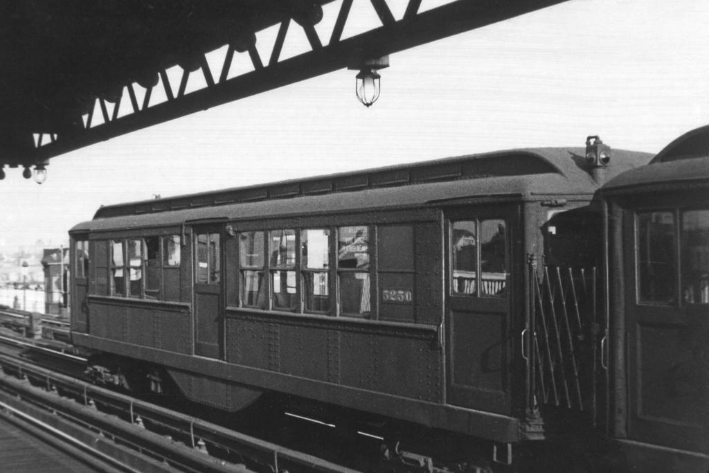 (199k, 1024x683)<br><b>Country:</b> United States<br><b>City:</b> New York<br><b>System:</b> New York City Transit<br><b>Line:</b> IRT White Plains Road Line<br><b>Location:</b> 238th Street (Nereid Avenue) <br><b>Car:</b> Low-V 5250 <br><b>Collection of:</b> David Pirmann<br><b>Viewed (this week/total):</b> 3 / 2863