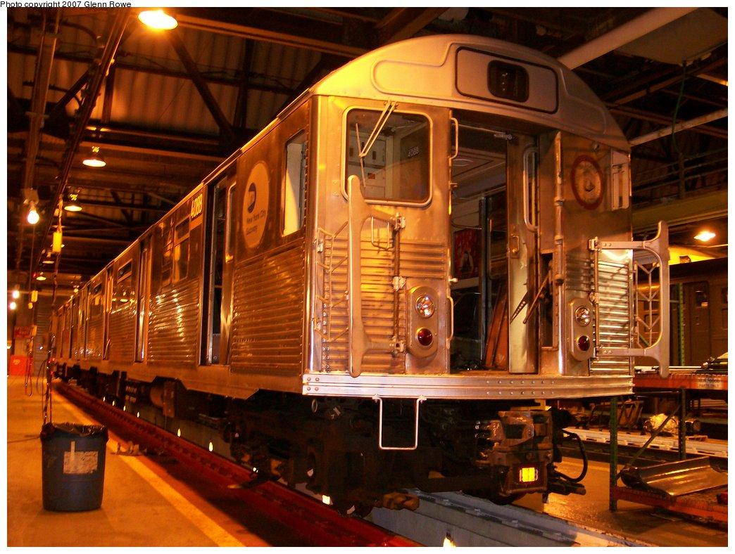 (192k, 1044x788)<br><b>Country:</b> United States<br><b>City:</b> New York<br><b>System:</b> New York City Transit<br><b>Location:</b> 207th Street Shop<br><b>Car:</b> R-38 (St. Louis, 1966-1967)  4088 <br><b>Photo by:</b> Glenn L. Rowe<br><b>Date:</b> 1/16/2007<br><b>Viewed (this week/total):</b> 3 / 1749