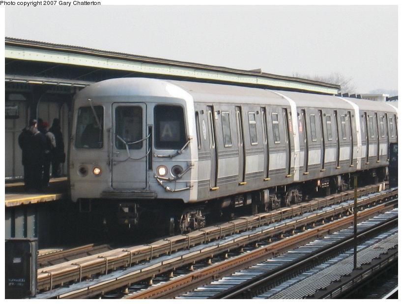 (108k, 820x620)<br><b>Country:</b> United States<br><b>City:</b> New York<br><b>System:</b> New York City Transit<br><b>Line:</b> IND Fulton Street Line<br><b>Location:</b> 80th Street/Hudson Street <br><b>Route:</b> A<br><b>Car:</b> R-44 (St. Louis, 1971-73) 5276 <br><b>Photo by:</b> Gary Chatterton<br><b>Date:</b> 2/27/2007<br><b>Viewed (this week/total):</b> 1 / 1623