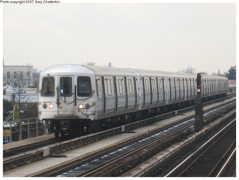 (94k, 820x620)<br><b>Country:</b> United States<br><b>City:</b> New York<br><b>System:</b> New York City Transit<br><b>Line:</b> IND Fulton Street Line<br><b>Location:</b> Rockaway Boulevard <br><b>Route:</b> A<br><b>Car:</b> R-44 (St. Louis, 1971-73) 5214 <br><b>Photo by:</b> Gary Chatterton<br><b>Date:</b> 2/27/2007<br><b>Viewed (this week/total):</b> 2 / 2141