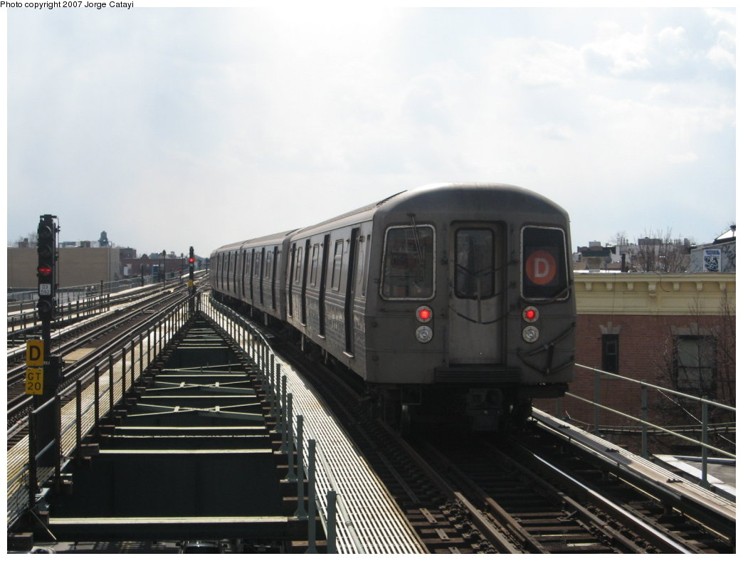 (137k, 1044x788)<br><b>Country:</b> United States<br><b>City:</b> New York<br><b>System:</b> New York City Transit<br><b>Line:</b> BMT West End Line<br><b>Location:</b> 62nd Street <br><b>Route:</b> D<br><b>Car:</b> R-68 (Westinghouse-Amrail, 1986-1988)  2706 <br><b>Photo by:</b> Jorge Catayi<br><b>Date:</b> 3/5/2007<br><b>Viewed (this week/total):</b> 3 / 2025