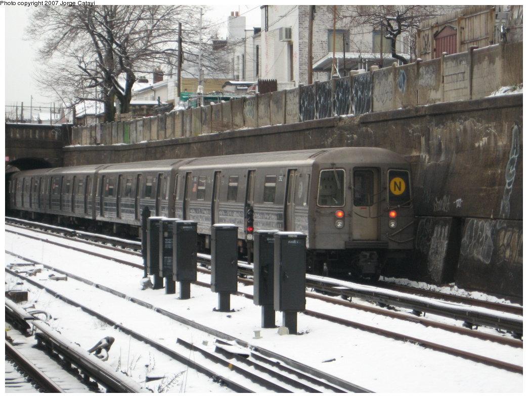(187k, 1044x788)<br><b>Country:</b> United States<br><b>City:</b> New York<br><b>System:</b> New York City Transit<br><b>Line:</b> BMT Sea Beach Line<br><b>Location:</b> 20th Avenue <br><b>Route:</b> N<br><b>Car:</b> R-68 (Westinghouse-Amrail, 1986-1988)  2868 <br><b>Photo by:</b> Jorge Catayi<br><b>Date:</b> 2/26/2007<br><b>Viewed (this week/total):</b> 0 / 1785